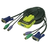 Iogear - GCS62 - Miniview Micro 2-Port KVM With Built In 6 ft. Cables